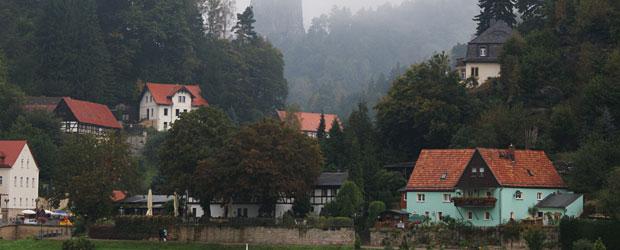 Luftkurort Rathen im Elbsandsteingebirge inmitten der Sächsischen Schweiz