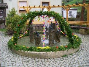 Osterbrunnen in Rathen